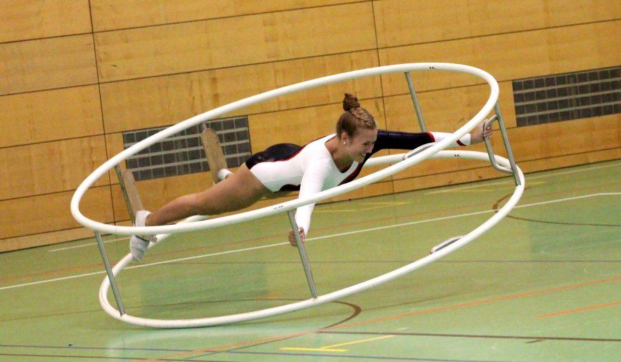 Leonie Wilsch beim Spiraleturnen